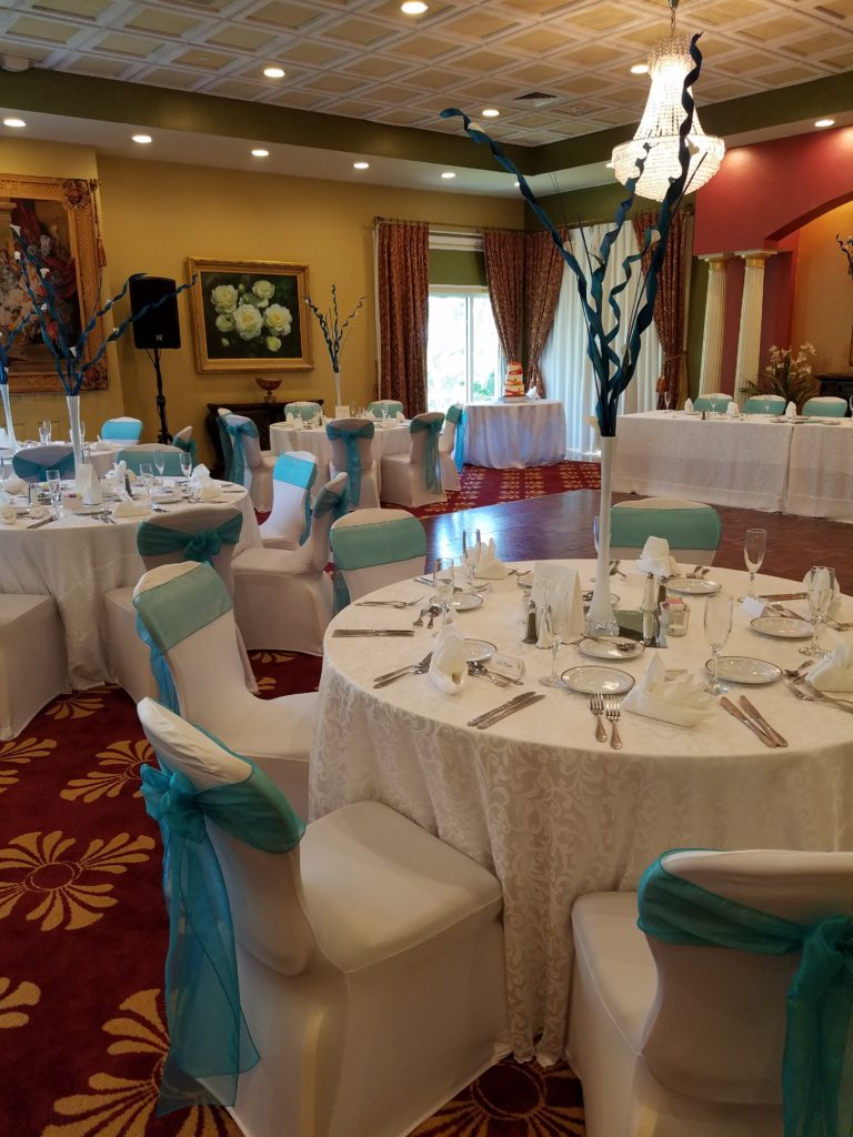 Ming Organza Sashes w/ White Damask Tablecloths and Ivory Napkins